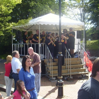 portable-stage-bandstand-